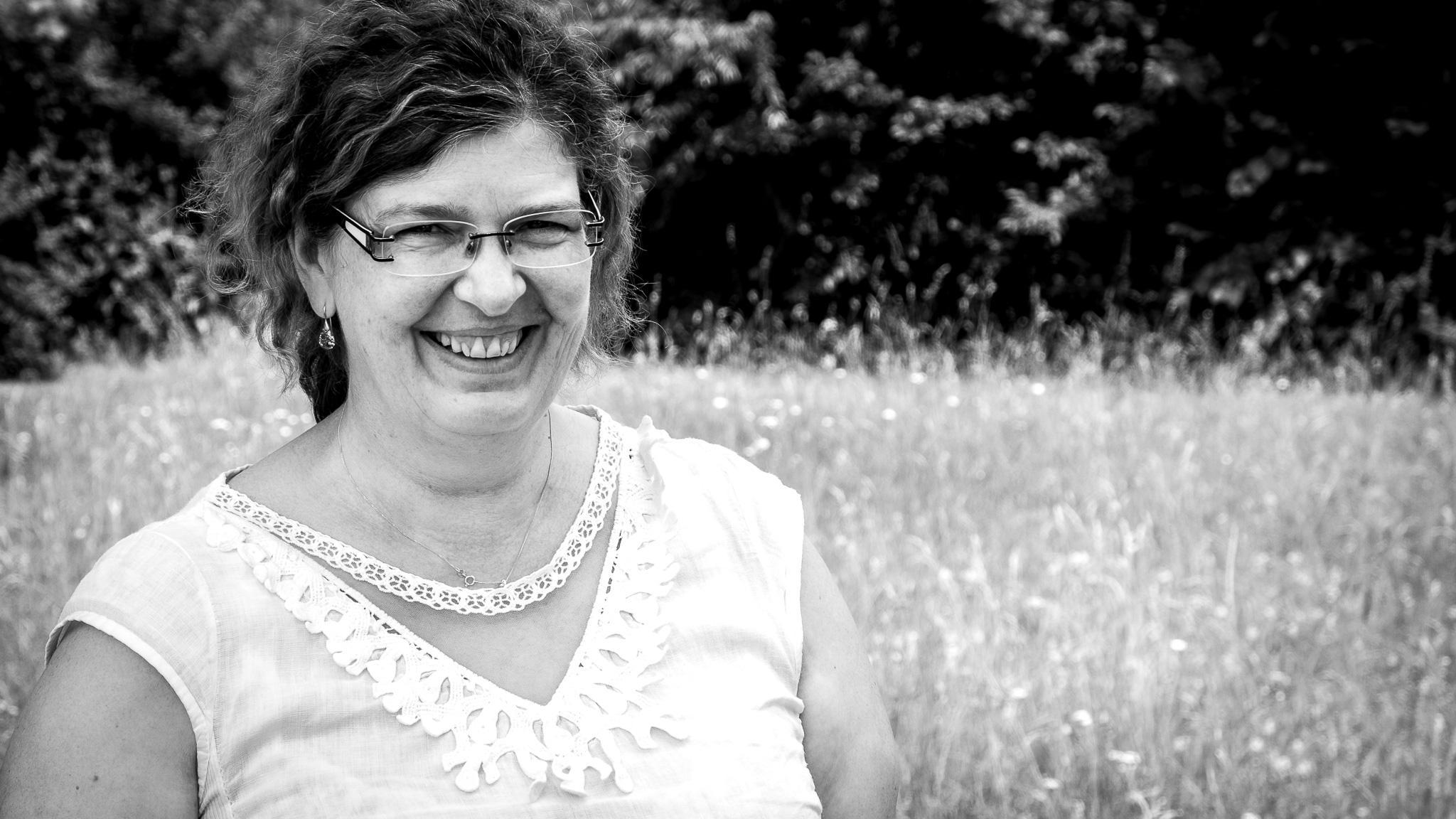 Portrait der Hamburger Künstlerin, Kunst- und Kreativitätstherapeutin Stefanie Jungbluth